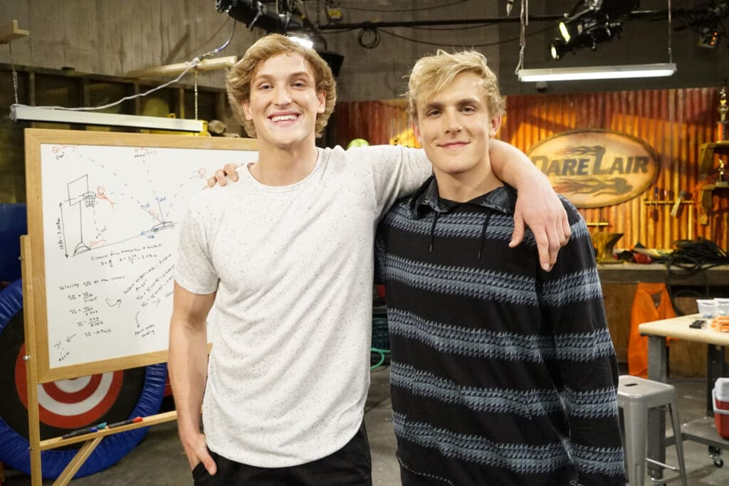 Jovens Jake e Logan Paul